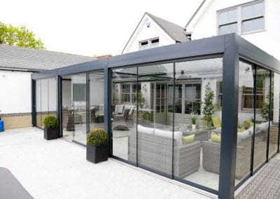 reference-bioclimatic-pergola-glass-room-03-small